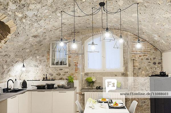 angerichtet,Beleuchtung,Bequem,Bogen,Deckengewölbe,Deckenlampe