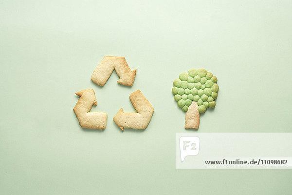 Cookies of recycling symbol and tree