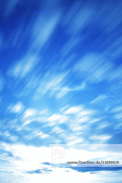 Flowing clouds