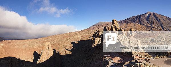 Los Roques  Caldera de las Canadas  Pico de Teide at sunset  National Park Teide  UNESCO World Heritage Natural Site  Tenerife  Canary Islands  Spain  Europe