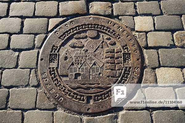 Decorative manhole cover  Bergen  Norway  Hordaland  Scandinavia