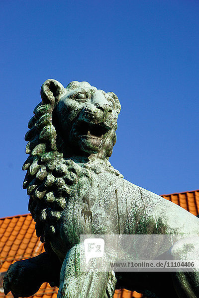 Lion Statue  Bergen  Hordaland  Norway  Scandinavia  Europe