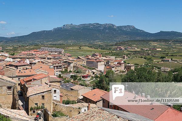 Rooftops in San Vicente de la Sonsierra  La Rioja  Spain  Europe