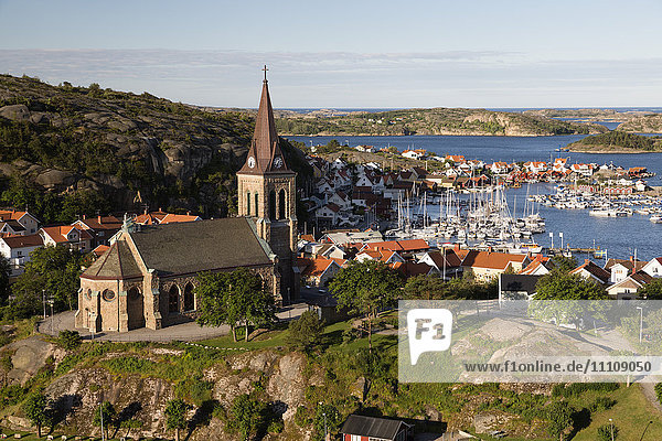 View over harbour and town with Vetteberget cliff  Fjallbacka  Bohuslan Coast  Southwest Sweden  Sweden  Scandinavia  Europe