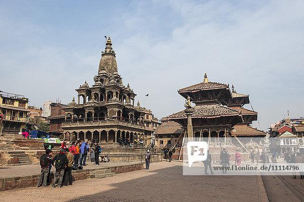 Nepal  Patan  temple square