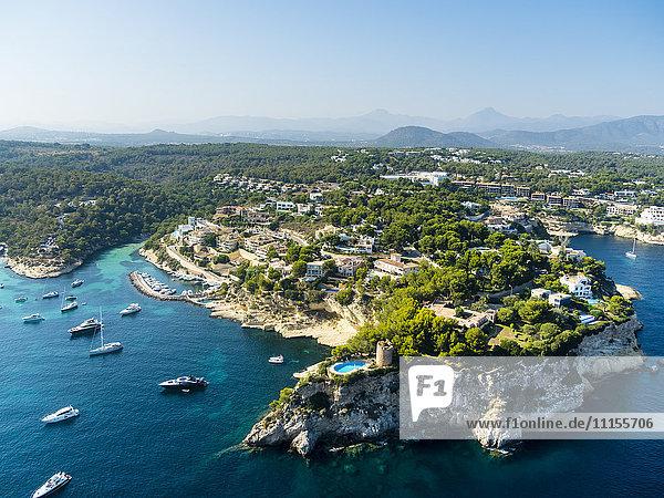 Spanien  Mallorca  Palma de Mallorca  Luftbild  El Toro  Villen und Yachten bei Portals Vells
