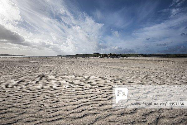 UK  Schottland  Isle of Lewis  Uig  Blick auf den Strand bei Ebbe