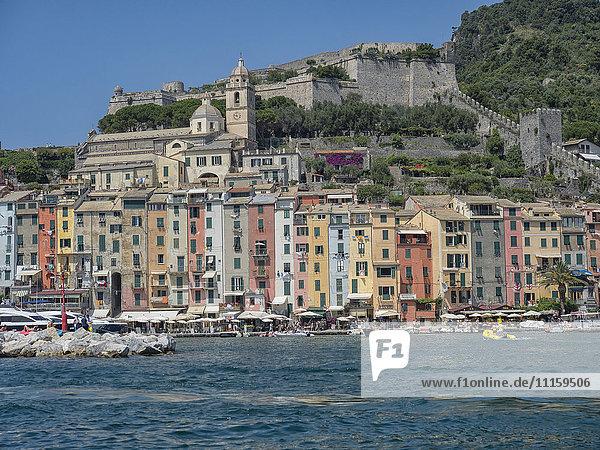 Italien  Ligurien  Cinque Terre  Portovenere vom Meer aus