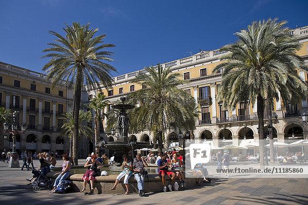 Placa Reial / Plaza Real  Barcelona  Spain