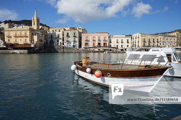 Marina Corta harbor and San Giuseppe church  Lipari Island  Aeolian Islands  UNESCO World Heritage Site  Sicily  Italy  Mediterranean  Europe