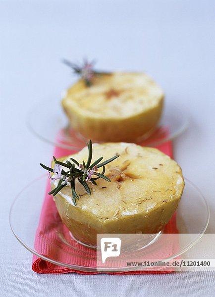 Karamellisierte Äpfel mit Zitronenbutter