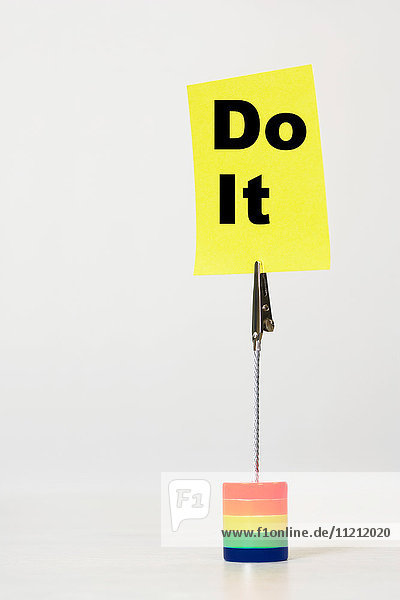 Reminder note say do it