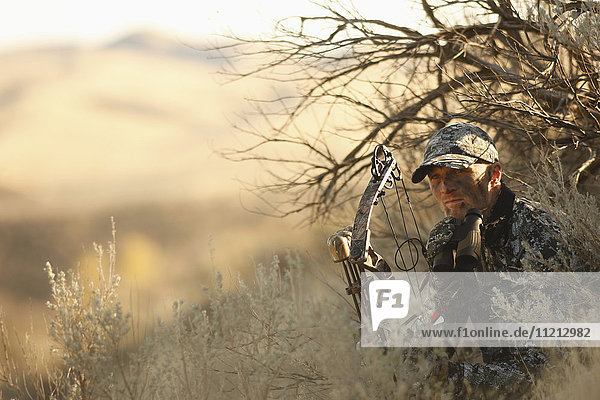 Bowhunter Ground Hunting