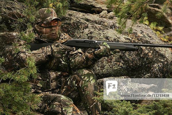 Rifle Hunter Hunting Big Game