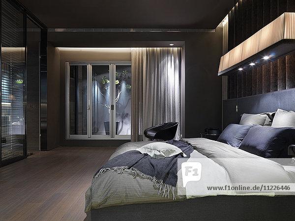 Elegant modern master bedroom
