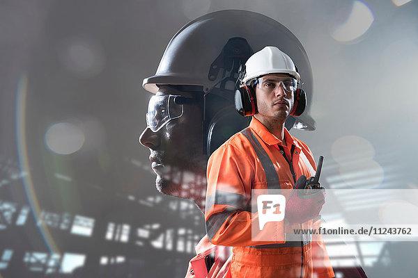 Zusammengesetztes Bild eines Bauarbeiters mit vollständiger Gesundheits- und Sicherheitsbekleidung