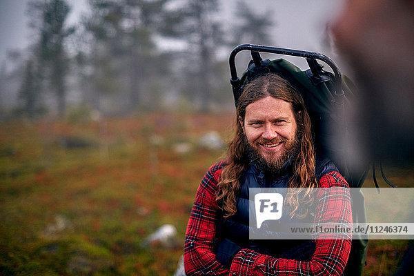 Wanderer im Park  Sarkitunturi  Lappland  Finnland