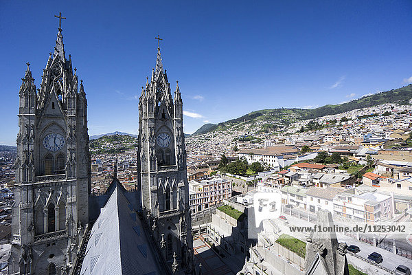 Basilica del Voto Nacional (Basilica of the National Vow)  and city view  Quito  Ecuador  South America