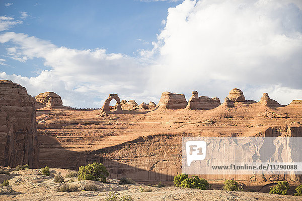 USA  Utah  Zarter Bogen im Arches Nationalpark