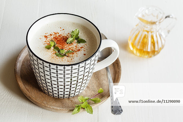 Vegetarische Suppe mit Kokosmilch  Apfel und Datteln Vegetarische Suppe mit Kokosmilch, Apfel und Datteln
