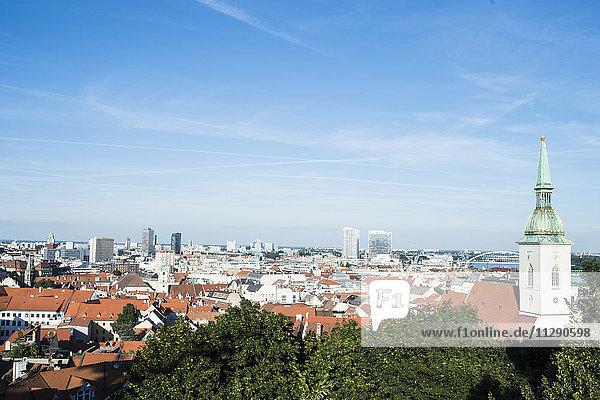 Slowakei  Bratislava  Blick auf die Stadt von oben