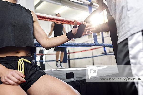 Boxerin bereitet sich vor