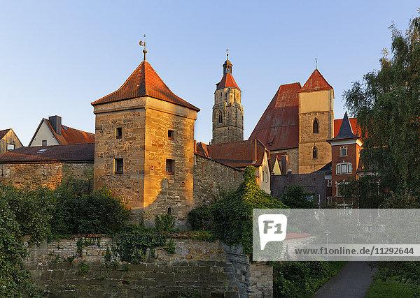 Deutschland,  Weißenburg,  Blick auf Heidenturm und St. Andreas