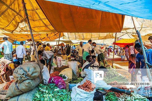Markt mit Gemüse  Chinnamanur  Tamil Nadu  Indien  Asien