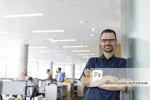 Porträt selbstbewusster Geschäftsmann im Amt