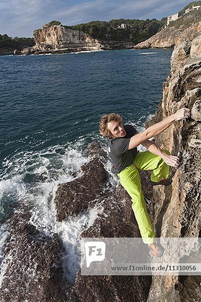 Majorca  Spain  climbing  free climbing  man  sport  boulder  no rope Majorca, Spain, climbing, free climbing, man, sport, boulder, no rope,