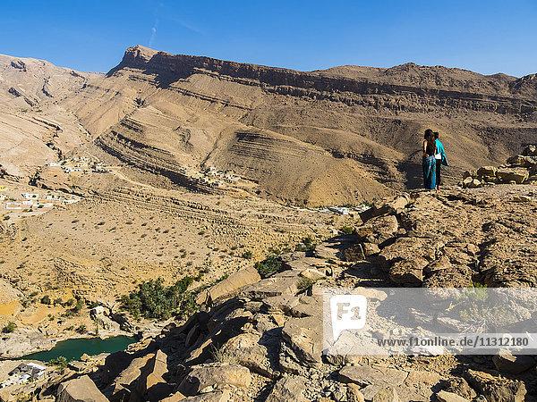 Oman  Sharqiyah  Wadi Bani Khalid von oben gesehen