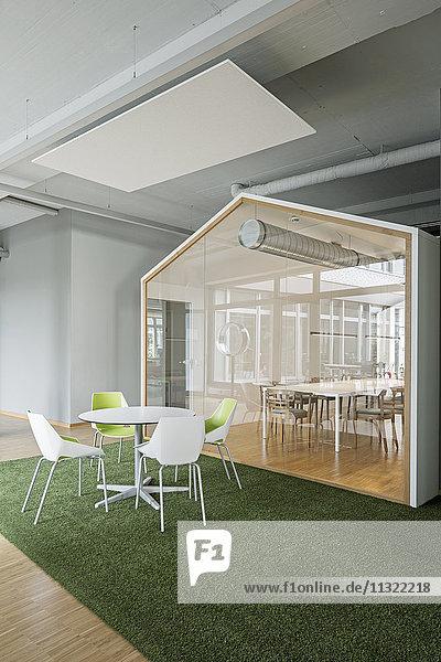 Moderne Büroeinrichtung