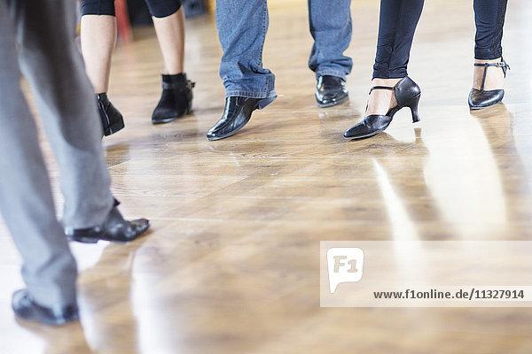 Tanzklasse Fußarbeit im Studio
