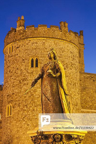 England  Berkshire  Windsor  Windsor Castle  Statue of Queen Victoria