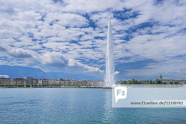 Geneva city with fountain