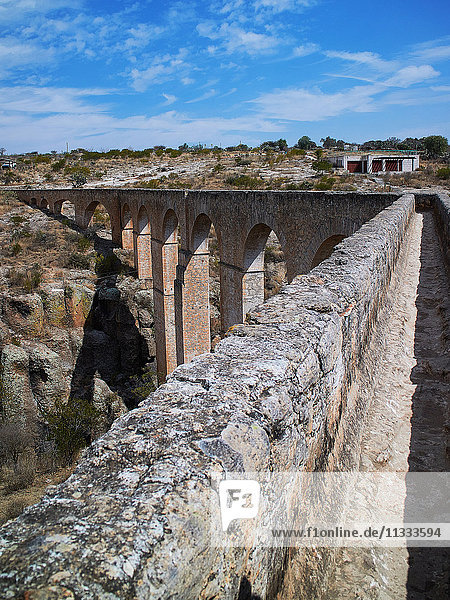 'Saucillo aqueduct  Huichapan area  Hidalgo state  Mexico   built at the end of 19 century  44 mts high  155 mts long  15 archs'