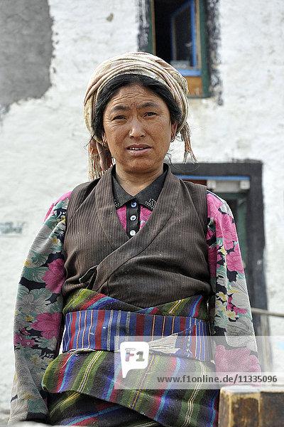 Nepal  Mustang  woman