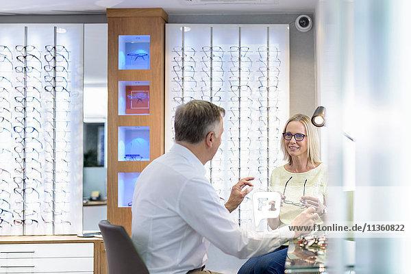 Patientenberatung bei Optikern für Kleinunternehmen