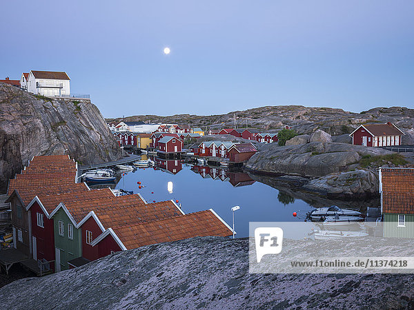 Buildings at little harbor