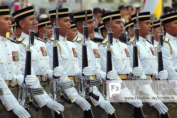 Parade  Königliche Garde am 16. September  Unabhängigkeitstag Hari Merdeka  Kuala Lumpur  Malaysia  Asien