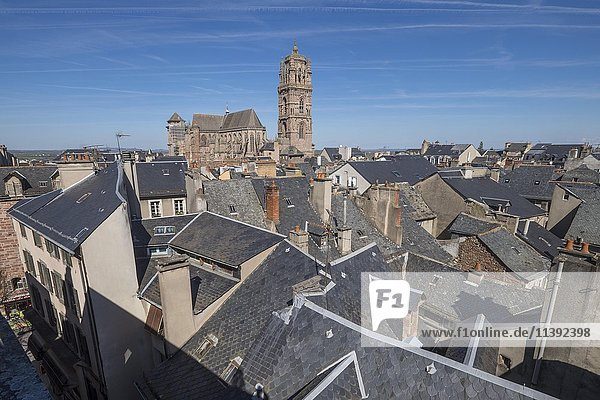 Roofs of the town and Notre-Dame Cathedral,  Rodez,  Aveyron,  Languedoc-Roussillon-Midi-Pyrénées,  France,  Europe