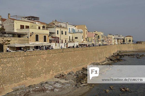 Alte Stadtmauer von Alghero  Provinz Sassari  Sardinien  Italien  Europa