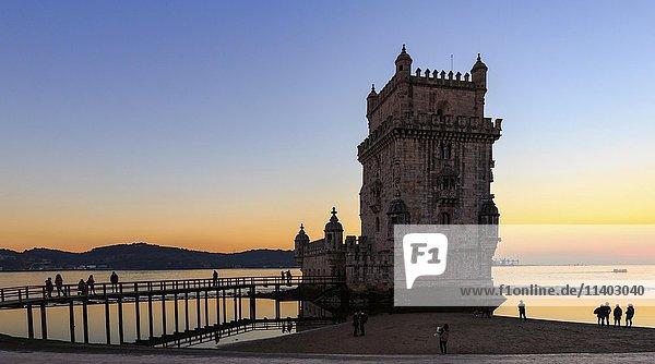 Torre de Belém  Turm von Belém  Sonnenuntergang  Lissabon  Portugal  Europa