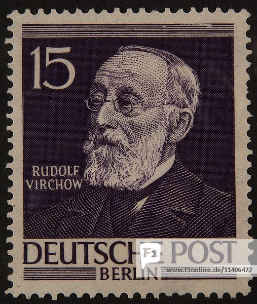 Rudolf Virchow  ein deutscher Arzt  Porträt auf einer deutschen Briefmarke 1952