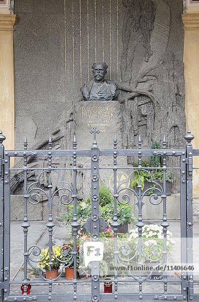 Grab von Antonin Dvorak  1841-1904  Friedhof in Vysehrad  Prag  Tschechien  Europa