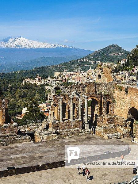 Amphitheatre ruins  Teatro Antico di Taormina  Taormina  Sicily  Italy  Europe