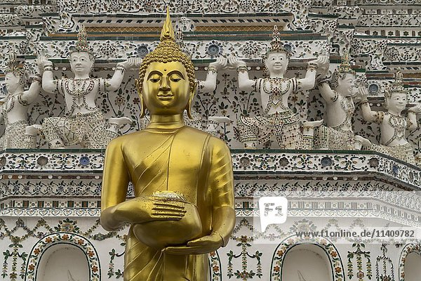Buddha Statue  Wat Arun  Temple of Dawn  Bangkok  Thailand  Asia