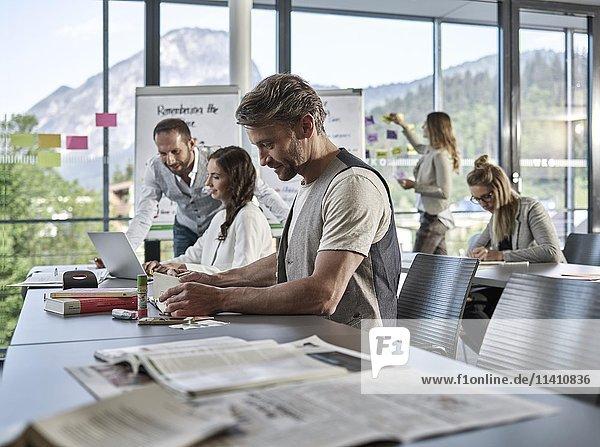 Kreatives Teamwork  Präsentation  Brainstorming  Projektarbeit  Workshop  Weiterbildung  Seminar für Führungskräfte  Erwachsenenbildung  Österreich  Europa Kreatives Teamwork, Präsentation, Brainstorming, Projektarbeit, Workshop, Weiterbildung, Seminar für Führungskräfte, Erwachsenenbildung, Österreich, Europa