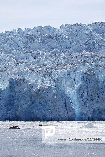Tourists on sightseeing cruise in Glacier Bay  Southeast Alaska  USA
