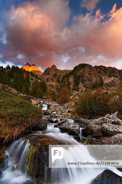 Italy  Piedmont  Cuneo District  Gesso Valley  Alpi Marittime Natural Park  sunset on the Nasta Peak.